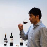 当店のワインセレクション担当:鐵屋竜朗(ソムリエエクセレンス)