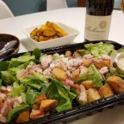 【コストコ】の【クラシックベーコンシーザーサラダ】にソムリエエクセレンスがワインをペアリング