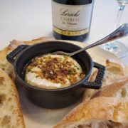 カマンベールチーズとワインのペアリングを楽しむ