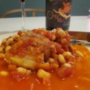 豚バラと大豆のトマト煮と赤ワインのペアリング