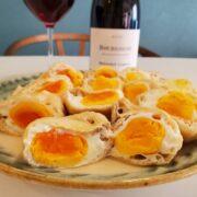 『油揚げと卵の袋煮』とワインのペアリング|安くて早くて優しいおかず