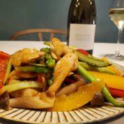 アスパラと鶏ササミ肉の炒め物とワインのペアリング|ささ身柔らか!