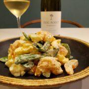 海老とスナップエンドウのタルタルサラダとワインのペアリング