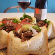 焼肉サンドとワインのペアリング
