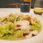 鶏むね肉とキャベツの出汁あんかけ、美味しさ高めるワインペアリング